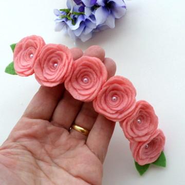 Faixa Flores de Feltro e Pérolas