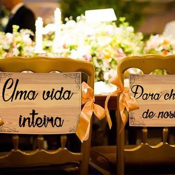 Casamento - Placas Decorativas Cadeira Noivos - Uma Vida