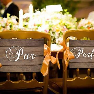 Casamento - Placas Decorativas Cadeira Noivos - Par Perfeito