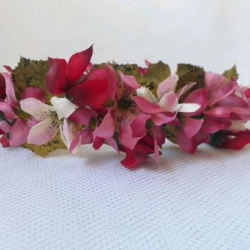 Coroa de flores com mini lírios (multicolorida)