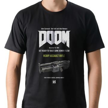Camiseta Geek Games Doom Heavy Assault Rifle