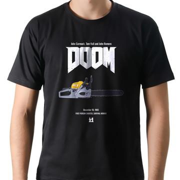 Camiseta Geek Games Doom Motoserra