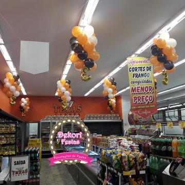 Decoração com balões em comercio - lojas