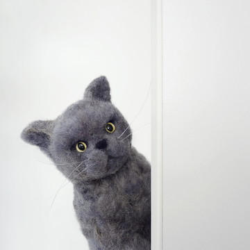 Gato cinza - Miniatura feltrada