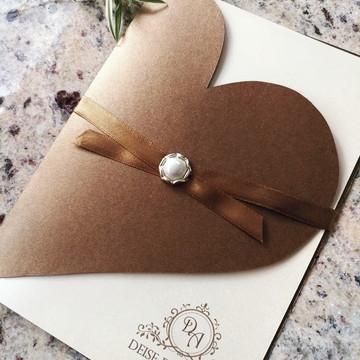 Convite casamento elegante coração cor café