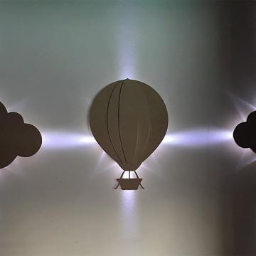 Balão LED + Par de nuvens em MDF cru com LED