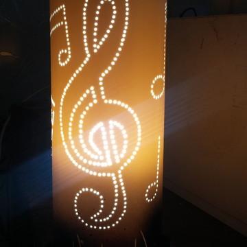 Luminárias personalizadas em PVC - Clave de Sol