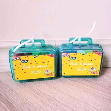 kit maletinha com massinha de modelar carnaval
