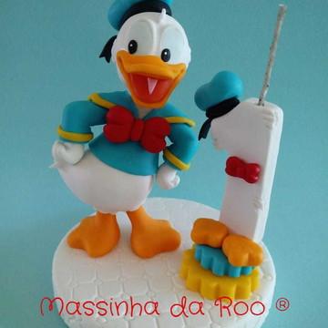 Topo de bolo com vela do Pato Donald