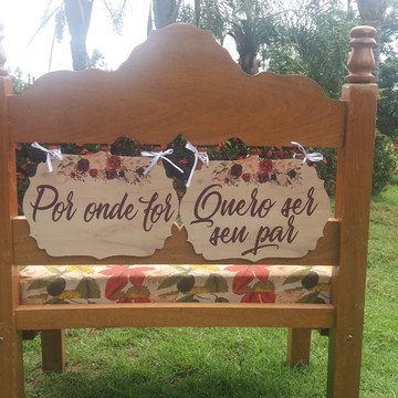 Placa cadeira dos noivos em MDF - Marsala