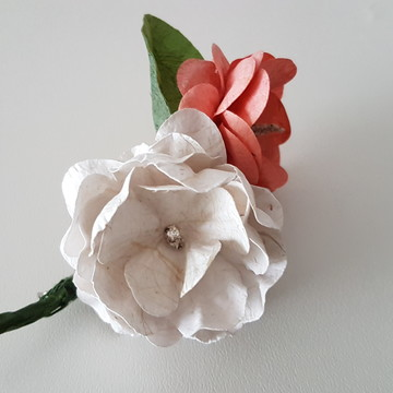 Flor de Lapela branca