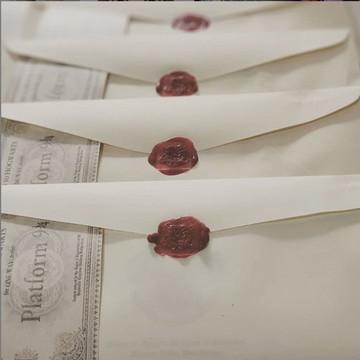 Carta personalizada e ticket expresso para Hogwarts