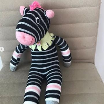 Zebra feita com meia e enchimento antialérgico