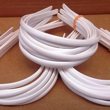 Tiaras Brancas Para Encapar 10mm Pacote com 36 Peças