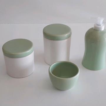 Kit Higiene potes branco e verde claro