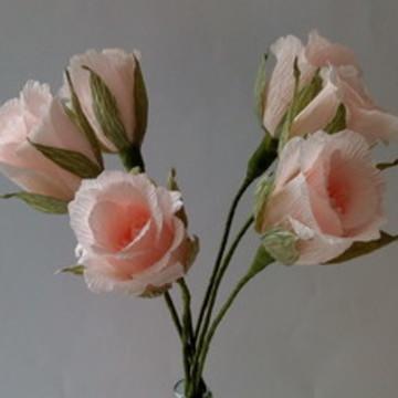 Rosa botão de papel crepom rosa