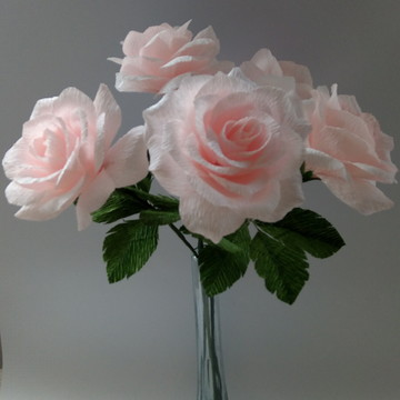 Rosa de papel crepom rosa