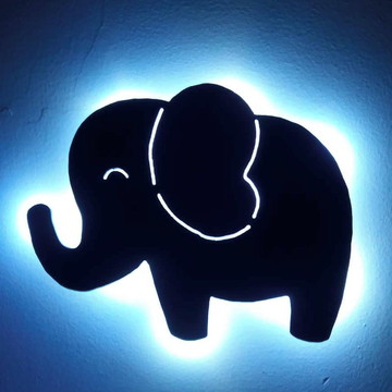 """Luminária de Parede """"Elefantinho"""" G"""