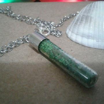 Colar Cápsula de sal grosso verde corrente inox