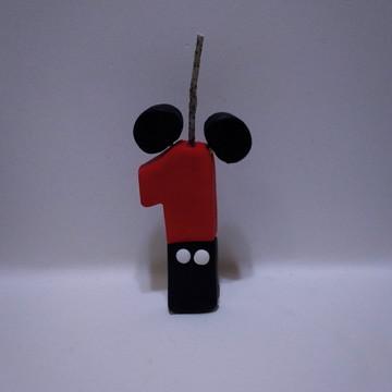 Vela decorativa em biscuit tema Mickey ou Minnie