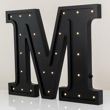 Letra M luminosa de MDF