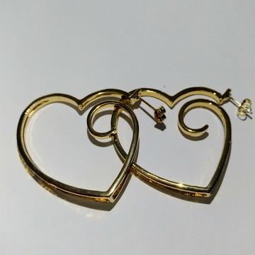 Brinco Argola Coração Médio Folheado Ouro.