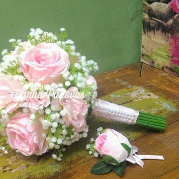 Buquê mini-wedding de rosas e mosquitinhos