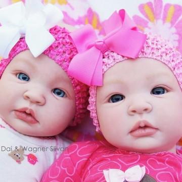 Bebê Reborn Menina Gêmeas Realista Princesinhas Com Enxoval