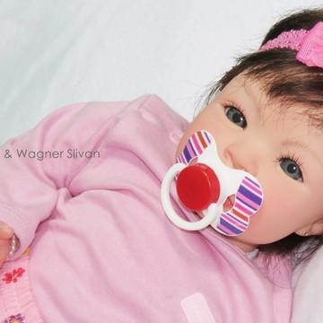 Boneca Bebê Reborn Menina Realista Com Enxoval E Chupeta