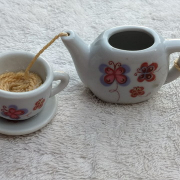 Colar Artesanal A Hora do Chá - Bule + Xícara Borboleta - G