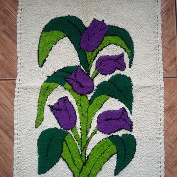 Tapete bordado em lã Tulipas Lilás