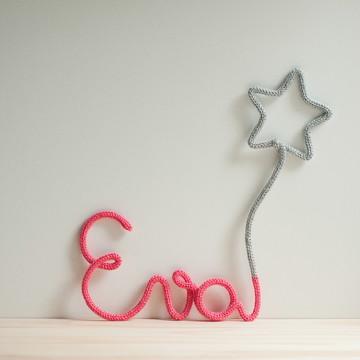Porta Maternidade em tricotin decoração quarto de bebê