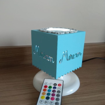 CUBO NOME BEBÊ ABAJUR LED BLUETHOOTH MUSICAL MONTESSORI