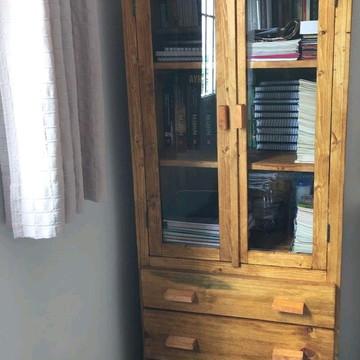 Cristaleira rústica Batis madeira maciça