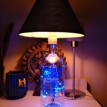 Abajur, Luminária De Garrafa de Vodka Absolut C/ Cúpula Azul