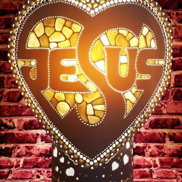 Luminária abajur artesanal em PVC 30cm .Coração JESUS.