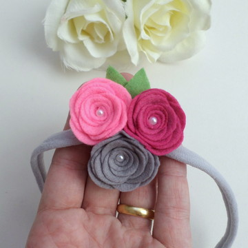 Trio Flores em Feltro e Pérolas