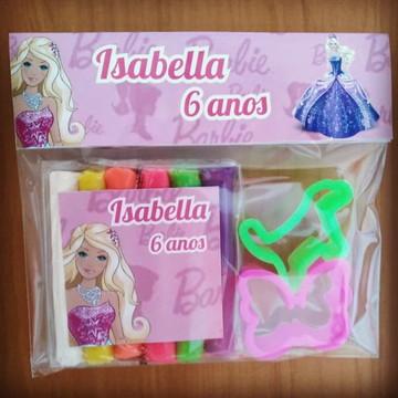 massinha para modelar + forminhas Barbie