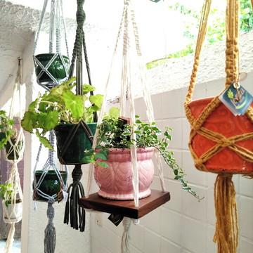 Hanger - Macramê com Prateleira + Vaso de Plantas