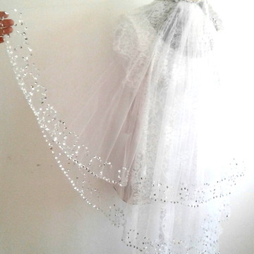 Véu de Noiva Curto Duplo Tule Francês Branco com Bordados