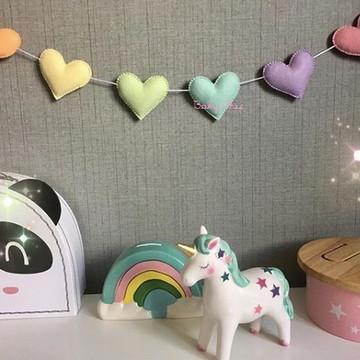 Varal decorativo CORAÇÕES decoração quarto de bebê