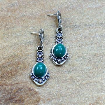 Brinco pendulo verde prateado bijuterias tendencia de moda