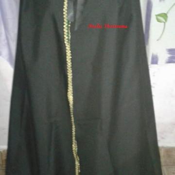 capa preta com dourado