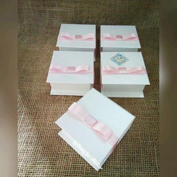 Caixa Cartonada Pérola / lembrancinha