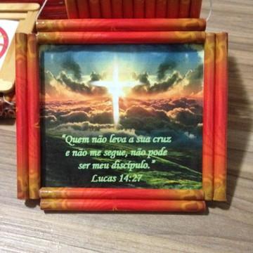 Quadro artesanal bíblico sustentável