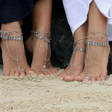 Sandália descalça correntes