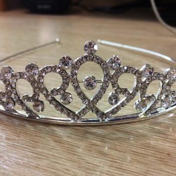 Tiara Coroa Modelo Princesa Com Strass Debutantes