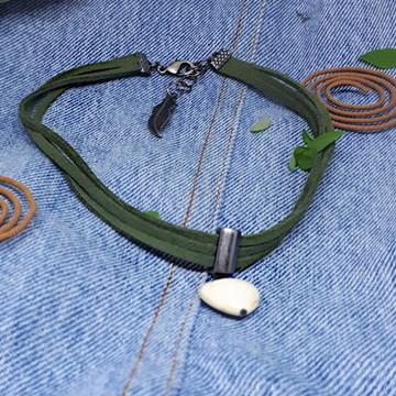Choker verde militar de pedra natural de Howlita