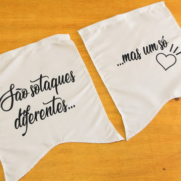 Placas para cadeira dos noivos em tecido