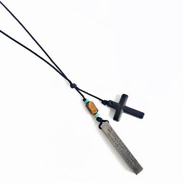 Colar Masculino Crucifixo com Oração Pai Nosso